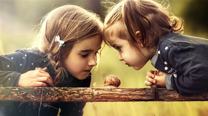Two girl watching snail-High Quality HD Wallpaper Views:1914