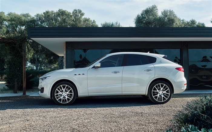 2016 Maserati Levante Luxury Car HD Wallpaper 04 Views:2702 Date:3/4/2016 8:52:09 AM