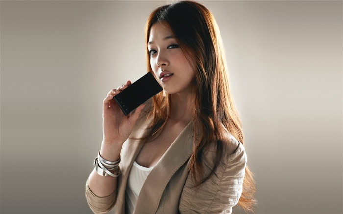 Girl phone hand asian-Beauty photo HD Wallpapers Views:3926 Date:3/17/2016 7:25:09 AM