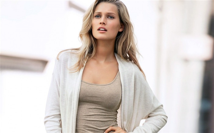 Toni garrn mike girl surprise-Beauty photo HD Wallpapers Views:3257 Date:3/17/2016 7:38:25 AM
