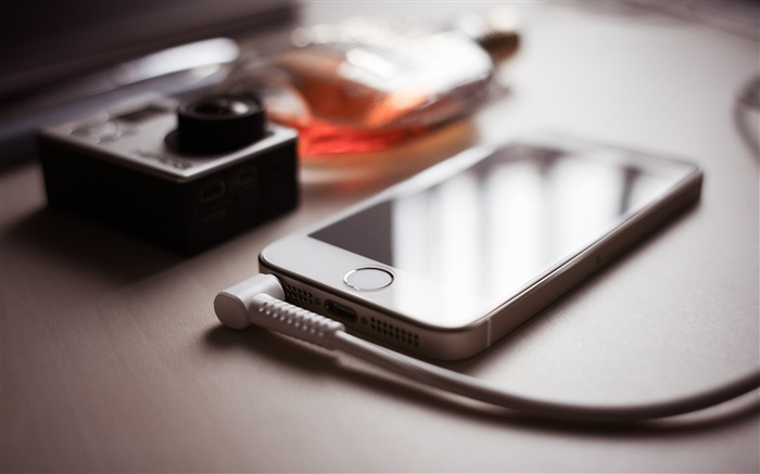 Apple iPhone camera wire-High Quality HD Wallpaper Views:1747