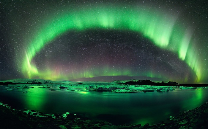 Beautiful Aurora Borealis-HDR Photo HD Wallpaper Views:2641