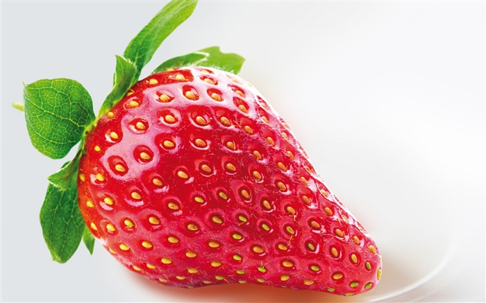 Fresh Strawberry-High Quality Wallpaper Views:3335 Date:4/11/2016 7:49:22 AM