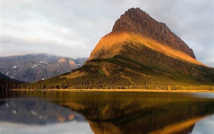 Mountains Reflected-HDR Photo HD Wallpaper Views:1667
