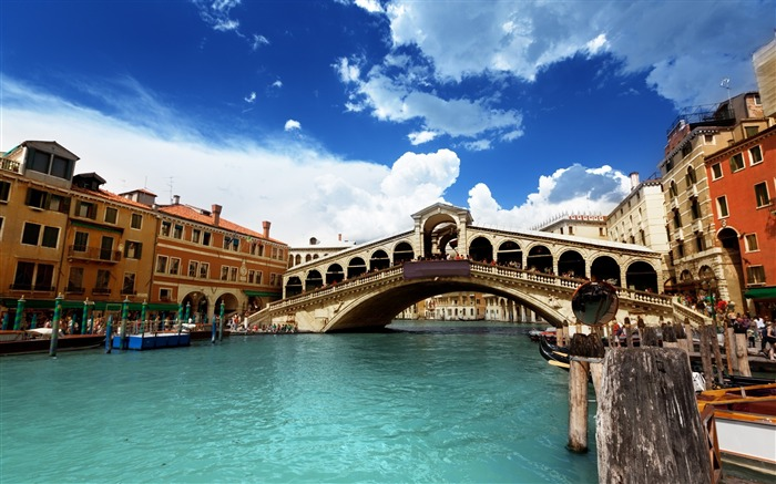 Bridge river building-Venice Italy Travel HD wallpaper Views:1087