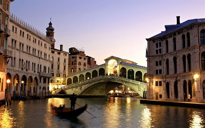 Building bridge night boat river-Venice Italy Travel HD wallpaper Views:1919