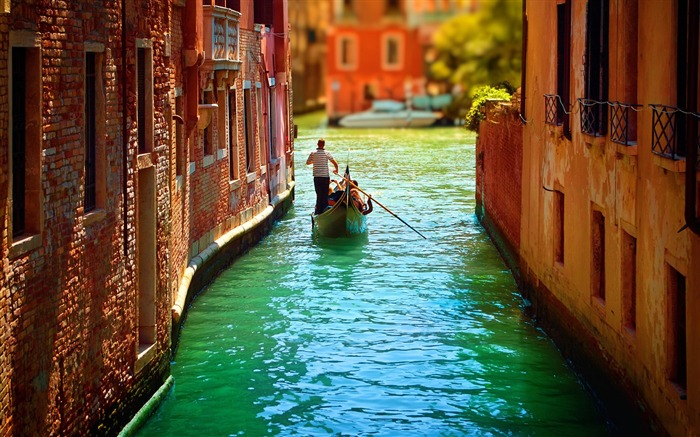 Europe Gondolas River-Venice Italy Travel HD wallpaper Views:2411