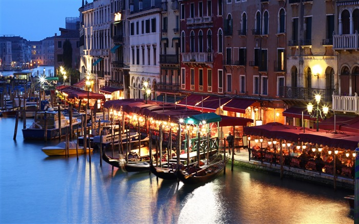 Evening cafe canal gondola boats-Venice Italy Travel HD wallpaper Views:1388