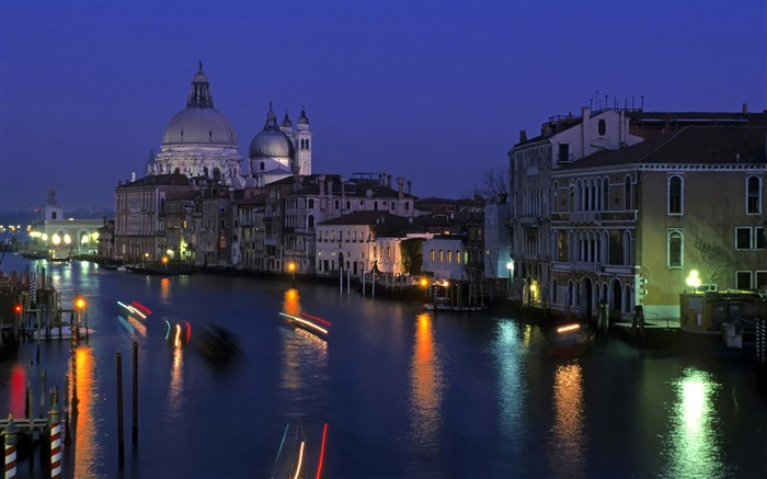Grand canal night-Venice Italy Travel HD wallpaper Views:1496