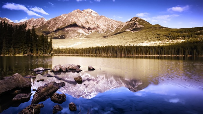 Mirror Lake Mountains-Nature Scenery HD Wallpaper Views:1270
