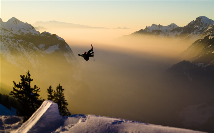 Snow Mountain Snowboarding Extreme HD Wallpaper 08 Views:3554 Date:5/22/2016 11:05:00 AM