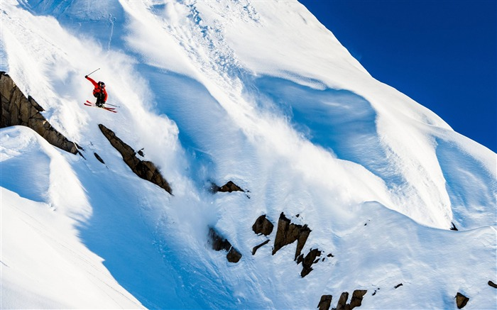 Snow Mountain Snowboarding Extreme HD Wallpaper 12 Views:3536 Date:5/22/2016 11:07:32 AM