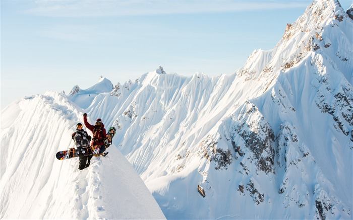 Snow Mountain Snowboarding Extreme HD Wallpaper 19 Views:3115 Date:5/22/2016 11:11:32 AM
