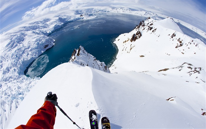 Snow Mountain Snowboarding Extreme HD Wallpaper Views:4006 Date:5/22/2016 11:00:30 AM