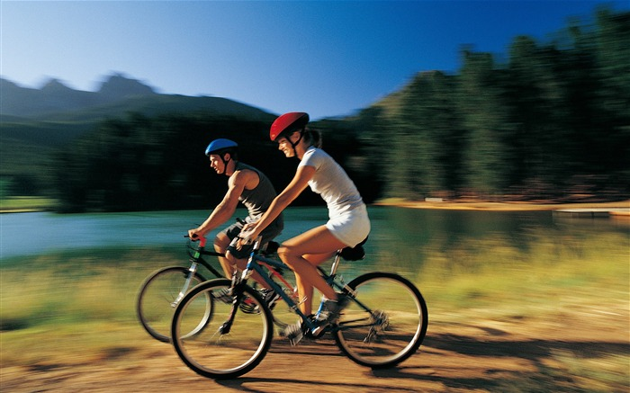 Couple outdoor riding-2016 Sport HD Wallpaper Views:1762