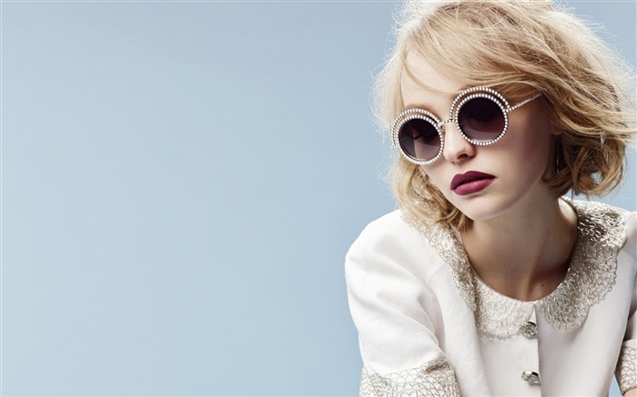 Lily rose depp chanel glasses-beauty photo HD Wallpaper Views:2160