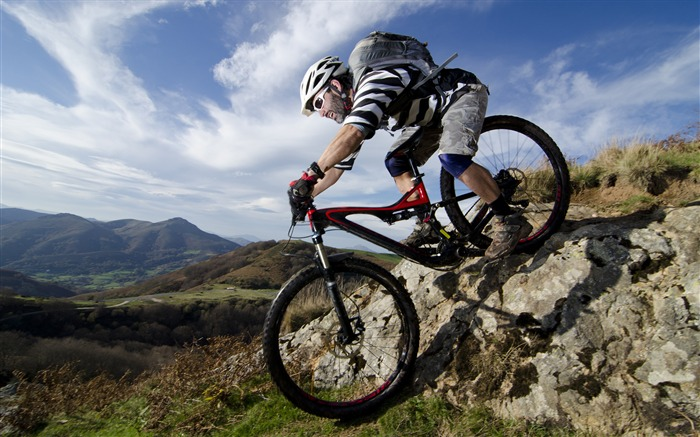 Outdoor mountain biking-2016 Sport HD Wallpaper Views:2332