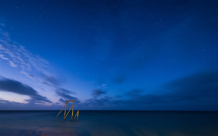 Sea beach night stars sky-Landscape Theme Wallpaper Views:1317