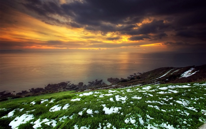 Snow green grass sunset-Scenery High Quality Wallpaper Views:1297
