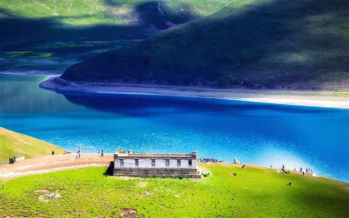 Tibet YamdrokTso Paradise Lake Photo Wallpaper 01 Views:3180 Date:8/24/2016 9:15:22 AM
