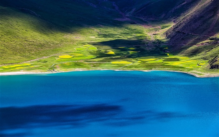 Tibet YamdrokTso Paradise Lake Photo Wallpaper 03 Views:2775 Date:8/24/2016 9:16:52 AM