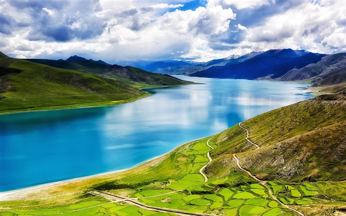 Tibet YamdrokTso Paradise Lake Photo Wallpaper 06 Views:3147 Date:8/24/2016 9:18:29 AM