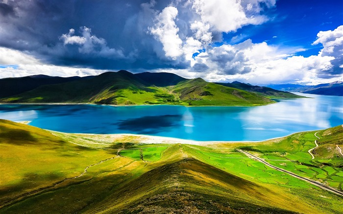 Tibet YamdrokTso Paradise Lake Photo Wallpaper 07 Views:3888 Date:8/24/2016 9:18:57 AM