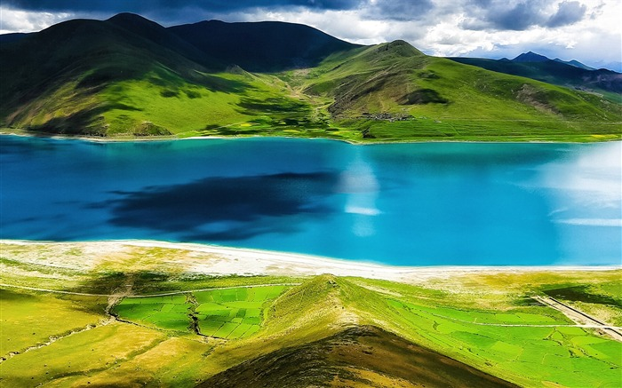 Tibet YamdrokTso Paradise Lake Photo Wallpaper 08 Views:2748 Date:8/24/2016 9:19:33 AM