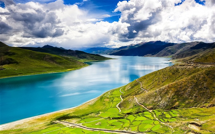 Tibet YamdrokTso Paradise Lake Photo Wallpaper Views:4488 Date:8/24/2016 9:14:47 AM