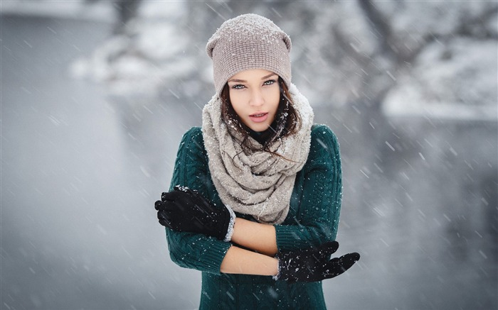 Angelina Petrova winter scarf-photo HD wallpaper Views:2227