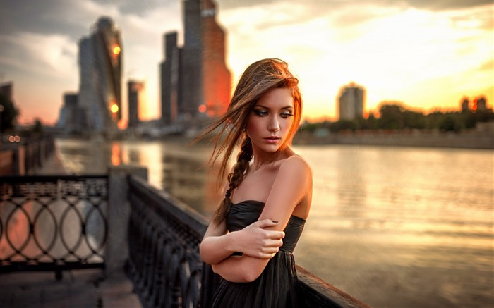 Bare shoulders black dress girl city fence sunset-photo HD wallpaper Views:2616