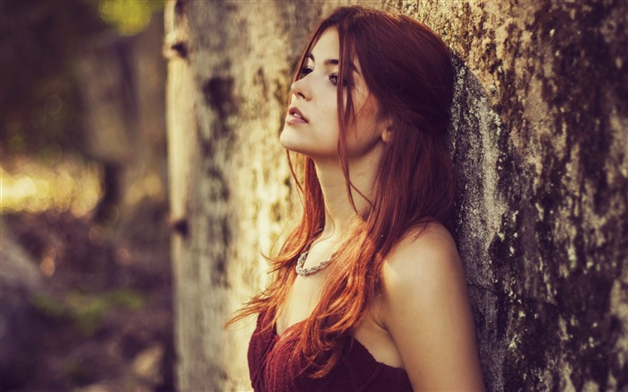 Beauty redhead outdoors sad-photo HD wallpaper Views:1856