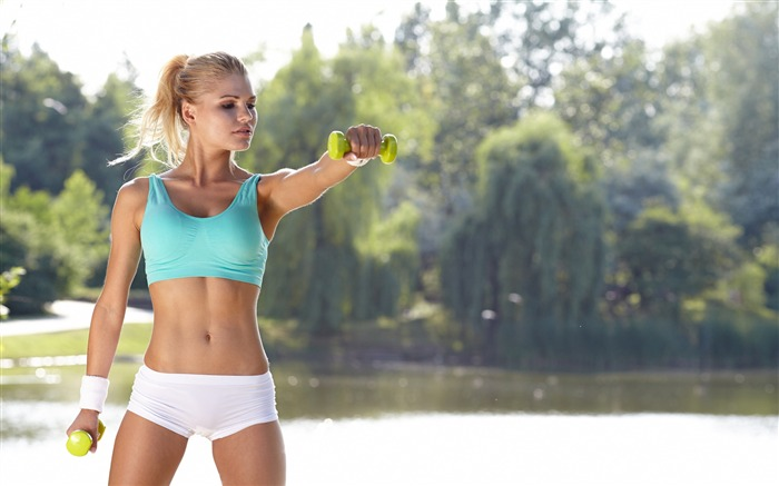 Blonde girl fitness workout at park-Fitness photo wallpaper Views:1782