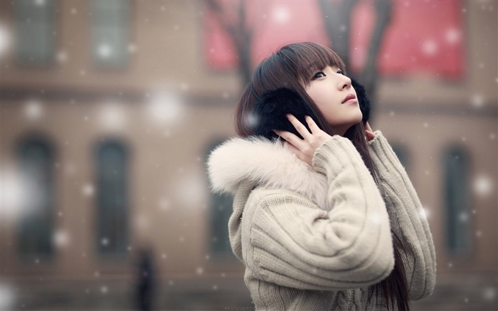 Girl asian jacket snow winter-Beauty Photo HD Wallpaper Views:1342
