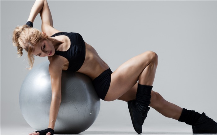 Girl weight loss gym ball-Fitness photo wallpaper Views:1565
