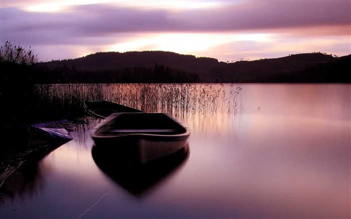 Lake surface boat grass mountains sunset-Scenery HD Wallpaper Views:1872