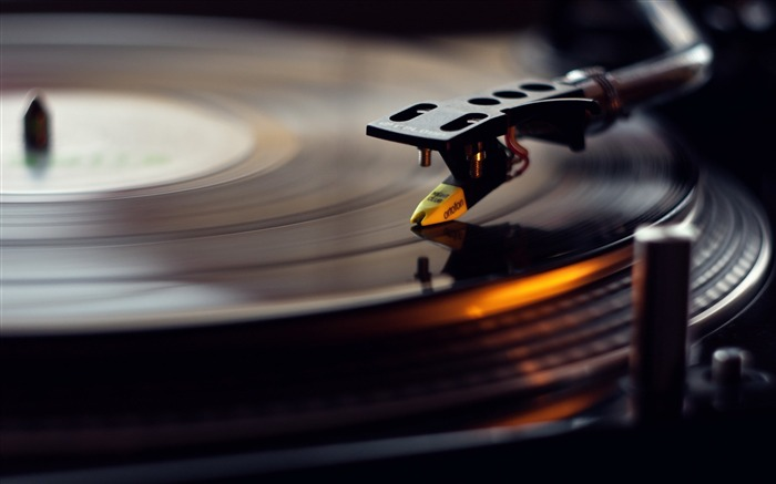 Vinyl gramophone macro-2016 Music HD Wallpaper Views:657