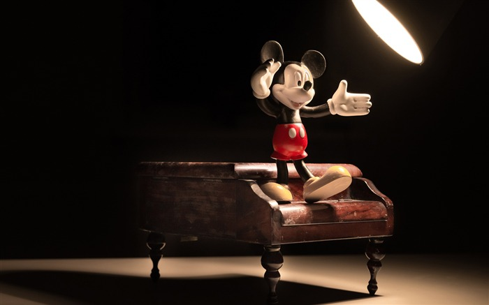 Disney mickey mouse on a piano-Macro Photo HD Wallpaper Views:4154 Date:10/2/2016 11:22:00 PM