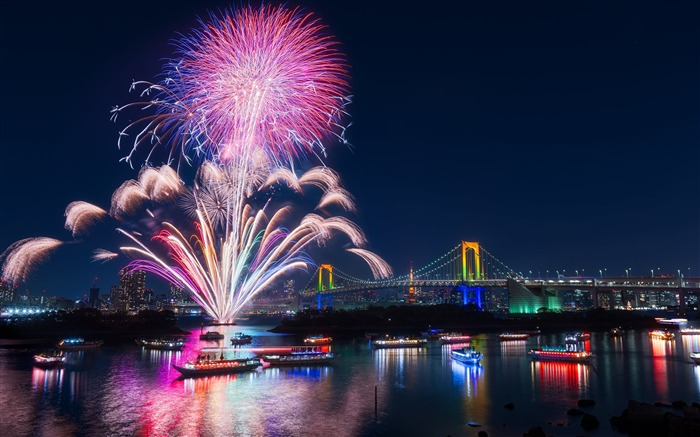 Firework celebrations over the river-Cities Photo HD Wallpaper Views:1735
