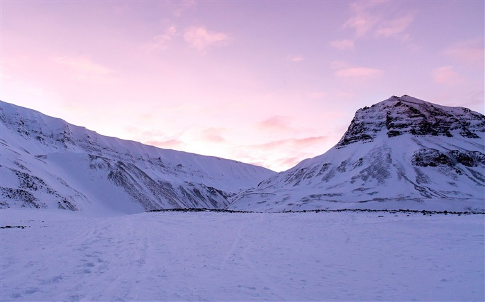 Purple sky over snowy mountains-HD Retina Wallpaper Views:1626