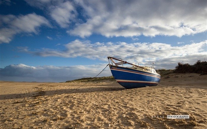 Boat brancaster beach-England travel scenery wallpaper Views:1715