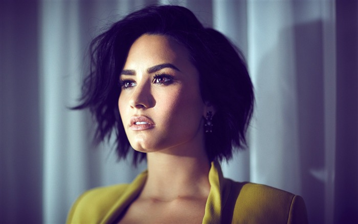 Demi Lovato-2016 Beauty HD Poster Wallpapers Views:1549