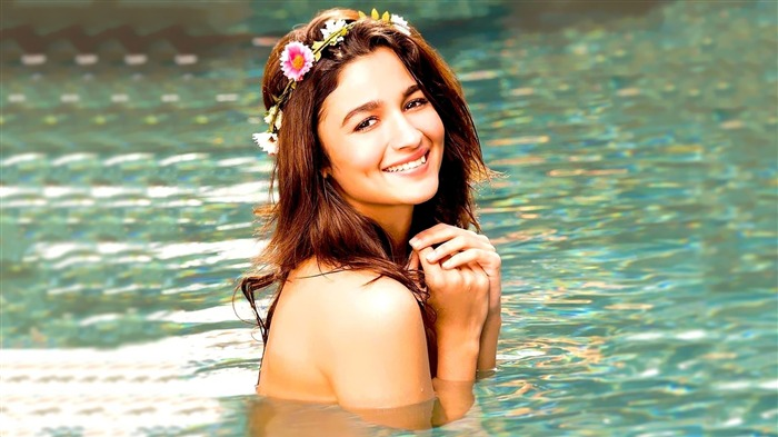 Actress Alia Bhatt-2017 Girl Photo HD Wallpaper Views:1362