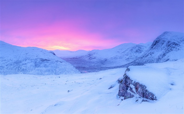 Pink sunrise snowy mountains-Winter Landscape HD Wallpaper Views:5639 Date:1/17/2017 7:55:21 AM