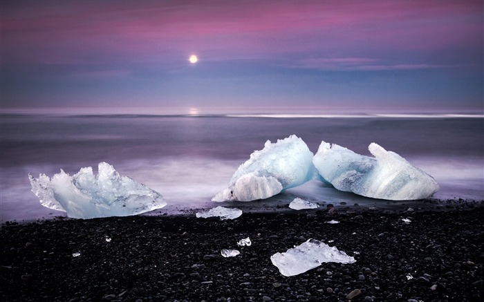 Winter beach ice cubes-Scenery HD Wallpaper Views:1384
