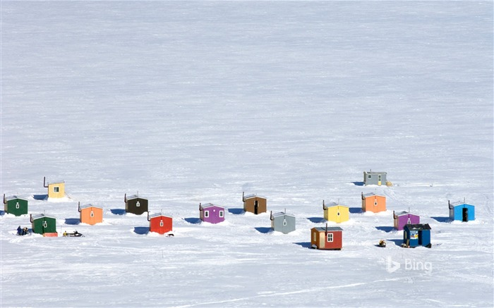 Que Overhead of ice fishing huts in Anse-St-Jean-2017 Bing Desktop Wallpaper Views:1278