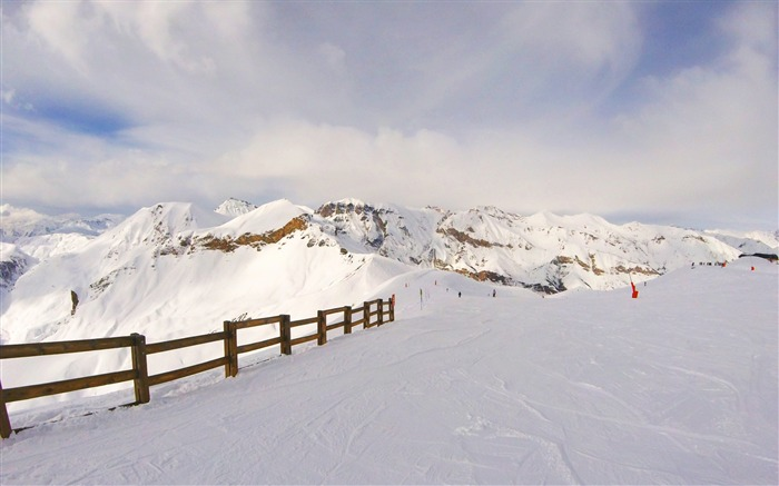 Snow mountains summit winter-Scenery High Quality Wallpaper Views:3324 Date:3/17/2017 11:57:17 PM