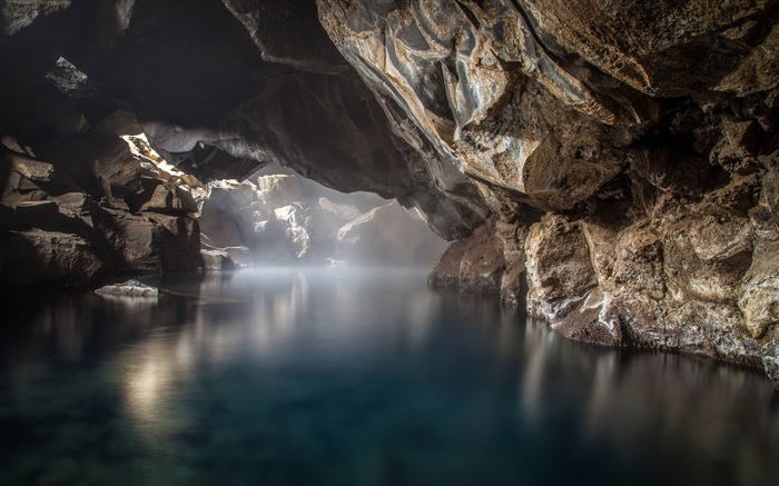 Cave thermal spring-Scenery Photo HD Wallpaper Views:1128