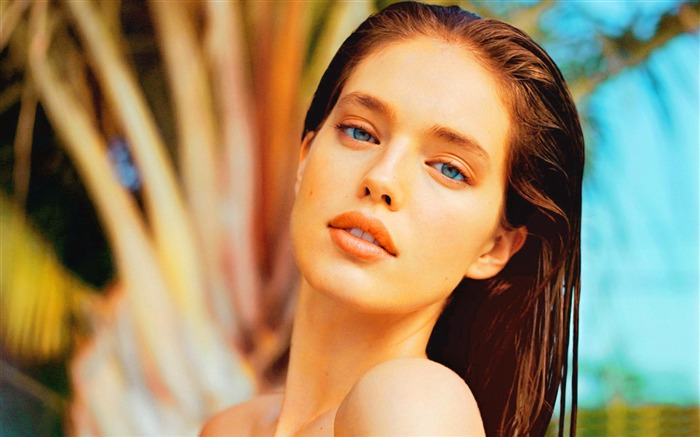 Emily Didonato-Vintage Themed Wallpaper Views:2873 Date:4/2/2017 3:09:49 AM