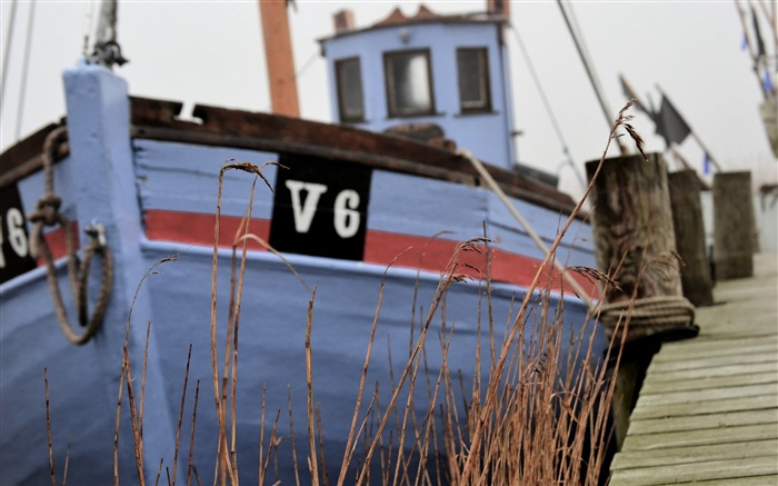 Old fishing boat in denmark-Vintage Themed Wallpaper Views:2450 Date:4/2/2017 3:15:48 AM